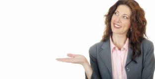 Lokalisierte Frau, die Ihr Produkt hält Lizenzfreies Stockfoto