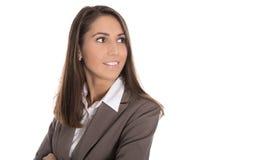 Lokalisierte lächelnde Geschäftsfrau, die seitlich zum Text schaut Lizenzfreie Stockfotografie
