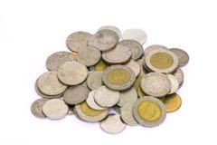 Lokalisierte Münzen des thailändischen Baht Stockfotos