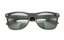 Lokalisierte Sonnenbrillen auf einem Weiß Stockfotos