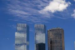 Lokalisierte Wolkenkratzer nähern sich Central Park in Manhattan, New York City Lizenzfreies Stockbild