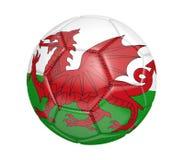 Lokalisierter Fußball oder Fußball, mit der Landesflagge von Wales Lizenzfreie Stockfotos