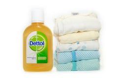 Lokalisierter weißer Hintergrund Dettol antibakterielles Desinfektionsmittel stockfoto