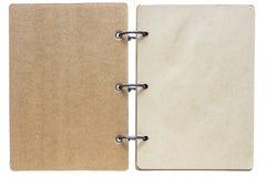 Lokalisiertes Notizbuch mit brauner Farbe der Seiten Lizenzfreie Stockfotografie