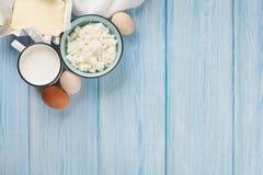 Lokalisierung auf dem Weiß Milch, Käse, Ei, Quark und Butter Stockbild