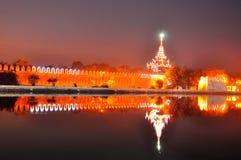 Mandalay pałac brama w nocy Obrazy Stock