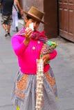 Lokalny kobiety sprzedawanie przekąsza w ulicie Lima, Peru Fotografia Stock