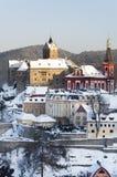 Loket stad i vintern, Tjeckien Arkivfoto