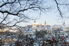 Loket stad i vintern, Tjeckien med slottsikt Royaltyfri Bild