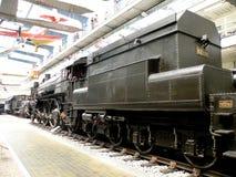 Lokomotiv i det tekniska museet i Prague Royaltyfria Bilder