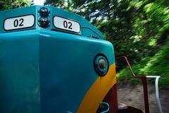 Lokomotiv i rörelse   Royaltyfria Foton