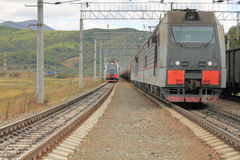 Lokomotiven auf Gleis Stockfotografie