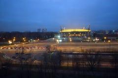 Lokomotivstadion en de buurt bij nacht royalty-vrije stock afbeeldingen