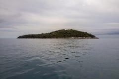 Lokrum-Insel in Dubrovnik, Kroatien gesehen von der alten Stadt von Dubrovnik lizenzfreies stockfoto