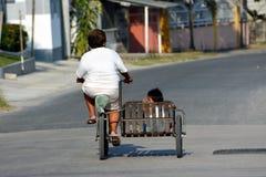 Lola et son petit-enfant Photo libre de droits