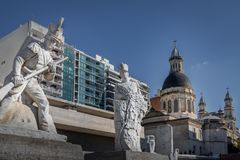 Lola Mora Soldier Sculptures alla bandiera nazionale Monumento commemorativo Nacional una La Bandera - Rosario, Santa Fe, Argenti immagini stock libere da diritti
