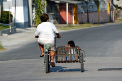 Lola und ihr Enkelkind Lizenzfreies Stockfoto
