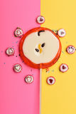 Lollipop και καραμέλες με το σημάδι καρδιών βαλεντίνων Στοκ εικόνα με δικαίωμα ελεύθερης χρήσης