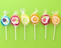 Lollipops dulces coloridos Foto de archivo libre de regalías