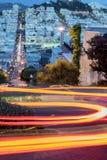Lombard-Straße nachts Stockfotografie