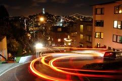 Lombard Straat bij nacht royalty-vrije stock foto