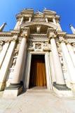 Lombardije de oude gesloten kerk van bustoarsizio Stock Afbeelding