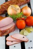 Lombinhos de carne de porco cortados fumado Presunto fumado caseiro da carne de porco foto de stock royalty free