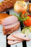 Lombo de carne de porco fumado caseiro Fumador de Digitas Carne de carne de porco fumado fresca e macia imagem de stock
