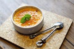 Lombo grelhado da carne com os vegetais roasted no prato branco Imagem de Stock Royalty Free