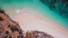 Lombok - spiaggia rosa dal di cui sopra fotografia stock