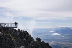 从Lomnicky盾的全景视图在Tatras 图库摄影
