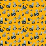 Lomography filmkamera på orange bakgrund royaltyfri illustrationer