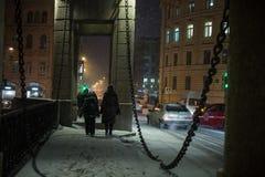 Lomonosovbrug over de Fontanka-de winteravond Royalty-vrije Stock Foto
