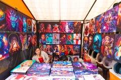 Lona de Bogotá para a venda no mercado de Usaquen domingo fotografia de stock