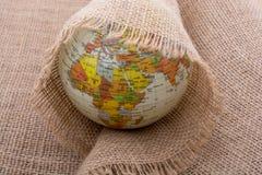 Lona de lino envuelta alrededor de un globo Fotografía de archivo libre de regalías