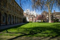LONDEN - APRIL 14: Binnenplaats van de Abdij van Westminster in de lente Stock Foto's