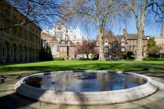 LONDEN - APRIL 14: Binnenplaats van de Abdij van Westminster in de lente Stock Afbeelding