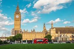 LONDEN - AUGUSTUS 19, 2017: - Paleis van Westminster op restauratie Royalty-vrije Stock Foto