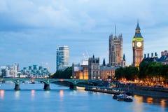 Londen bij dageraad Mening van Gouden jubileumbrug Royalty-vrije Stock Afbeelding