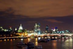Londen bij schemering Stock Foto's