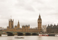 Londen de Big Ben op een sombere dag stock foto