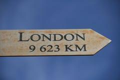 Londen deze manier, 9623 km Royalty-vrije Stock Afbeeldingen