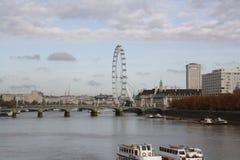 Londen en de Theems Stock Fotografie