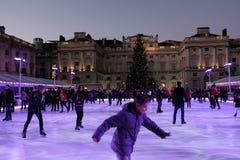 Londen, Engeland, het UK - 29 December, 2016: Ijs-schaatst in Somers Stock Afbeeldingen