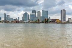 LONDEN, ENGELAND - JUNI 17 2016: Canary Wharf-mening van Greenwich, Londen, Groot-Brittannië Stock Afbeeldingen