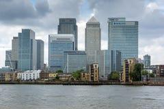 LONDEN, ENGELAND - JUNI 17 2016: Canary Wharf-mening van Greenwich, Londen, Groot-Brittannië Stock Foto