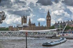 LONDEN, ENGELAND - JUNI 15 2016: De Brug van Westminster en Big Ben, Londen, Engeland Stock Foto's