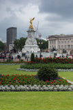 LONDEN, ENGELAND - JUNI 17 2016: Panorama van Buckingham Palace Londen, Groot-Brittannië Royalty-vrije Stock Afbeeldingen