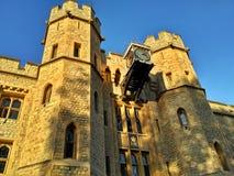 Londen/Groot-Brittannië - Oktober 31 2016: De Toren van het kasteel van Londen, hoofdgebouw stock foto's