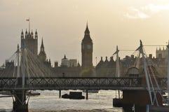 Londen, Groot-Brittannië. Rivier Theems en Huizen van het Parlement Royalty-vrije Stock Afbeeldingen